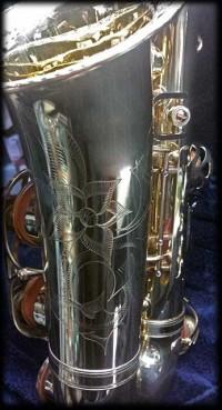 Grabado-de-saxofón-por-Patxi-Apellániz----www.apellaniz.es
