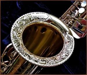 Saxofón grabado a mano por Patxi Apellániz